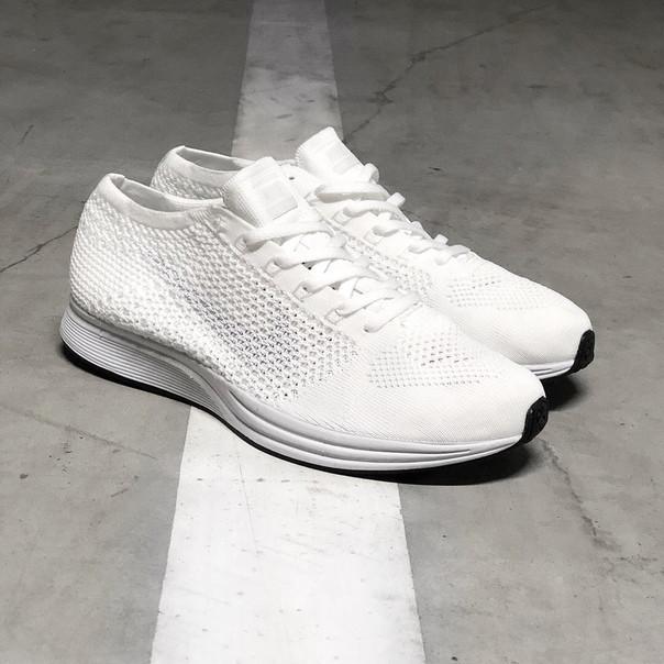 Мужские кроссовки Nike Flyknit Racer Pure White
