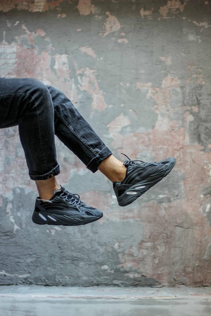 Мужские кроссовки Adidas Yeezy 700 Boost Black чёрные. Размеры (40,41,43,44)