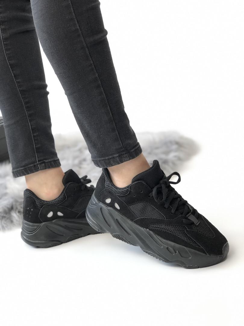 Мужские кроссовки Adidas Yeezy 700 Boost чёрные. Размеры (36,37,38,39,40,42,43,44)