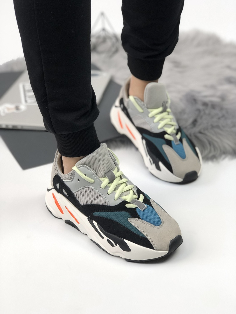 Мужские кроссовки Adidas Yeezy 700 Boost раноцветные. Размеры (36,37,39,41,42,43,44)