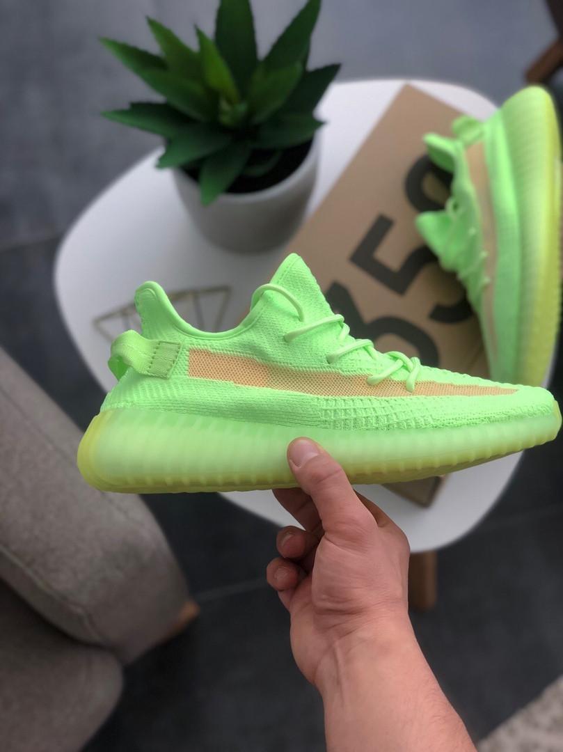 Мужские кроссовки Adidas Yeezy Boost 350 V2 Glow салатовые.
