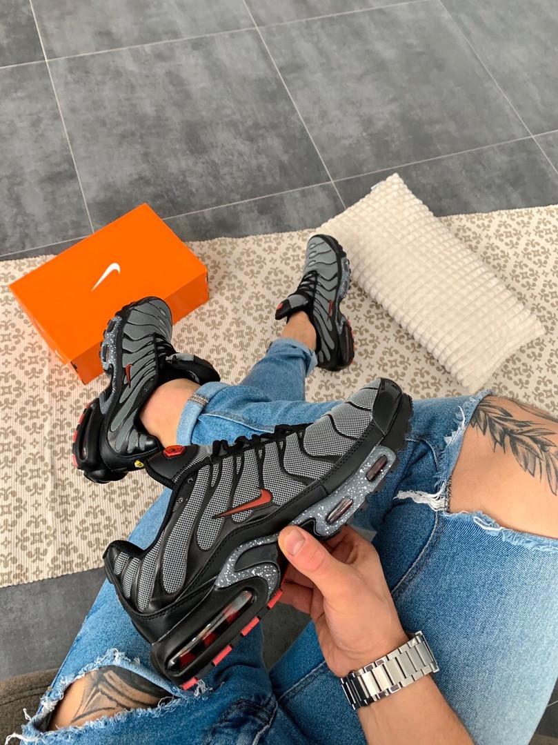 "Мужские кроссовки Nike Air Max Tn+ ""Grey/Red"", серые. Размеры (41,42,43,44,45)"