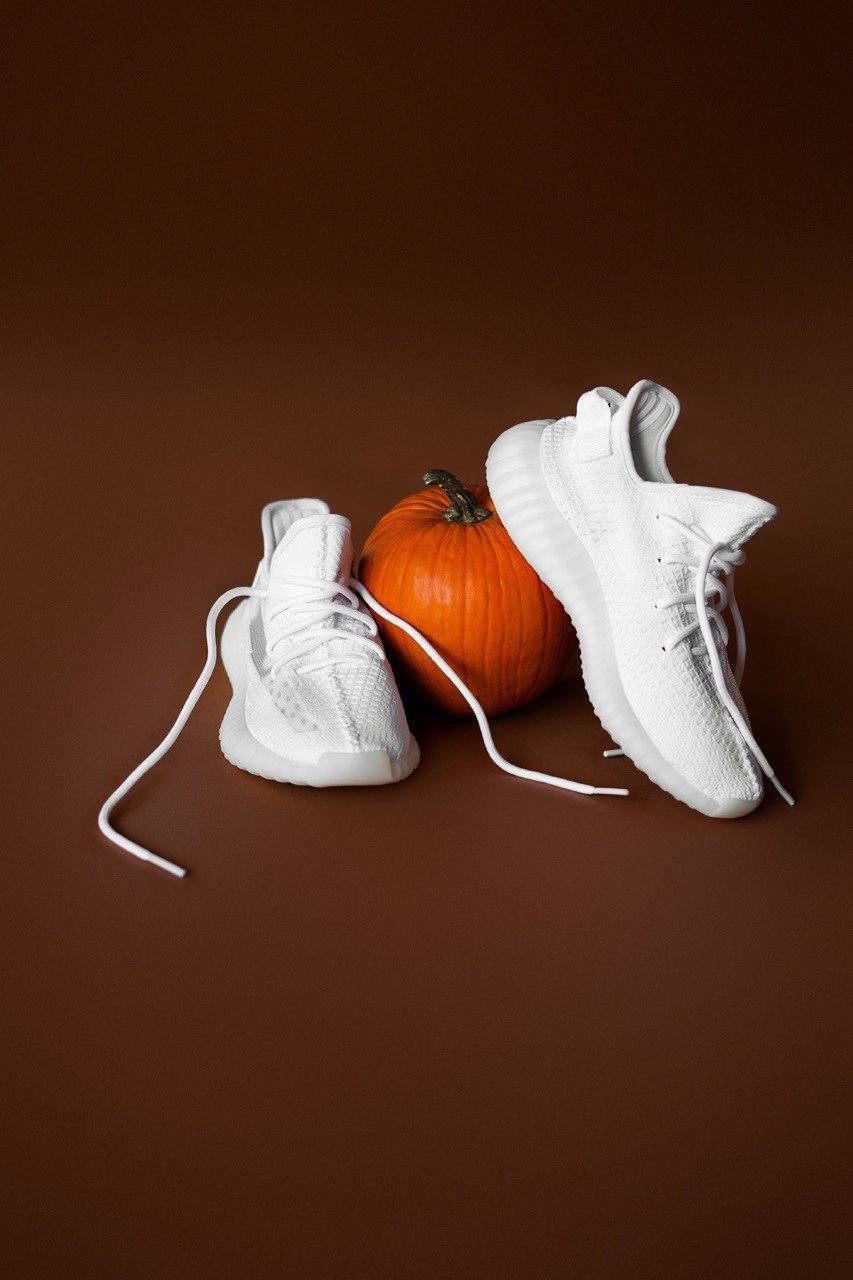 Кроссовки мужские Adidas Yeezy V2 White 2.0 (адидас изи буст белые)