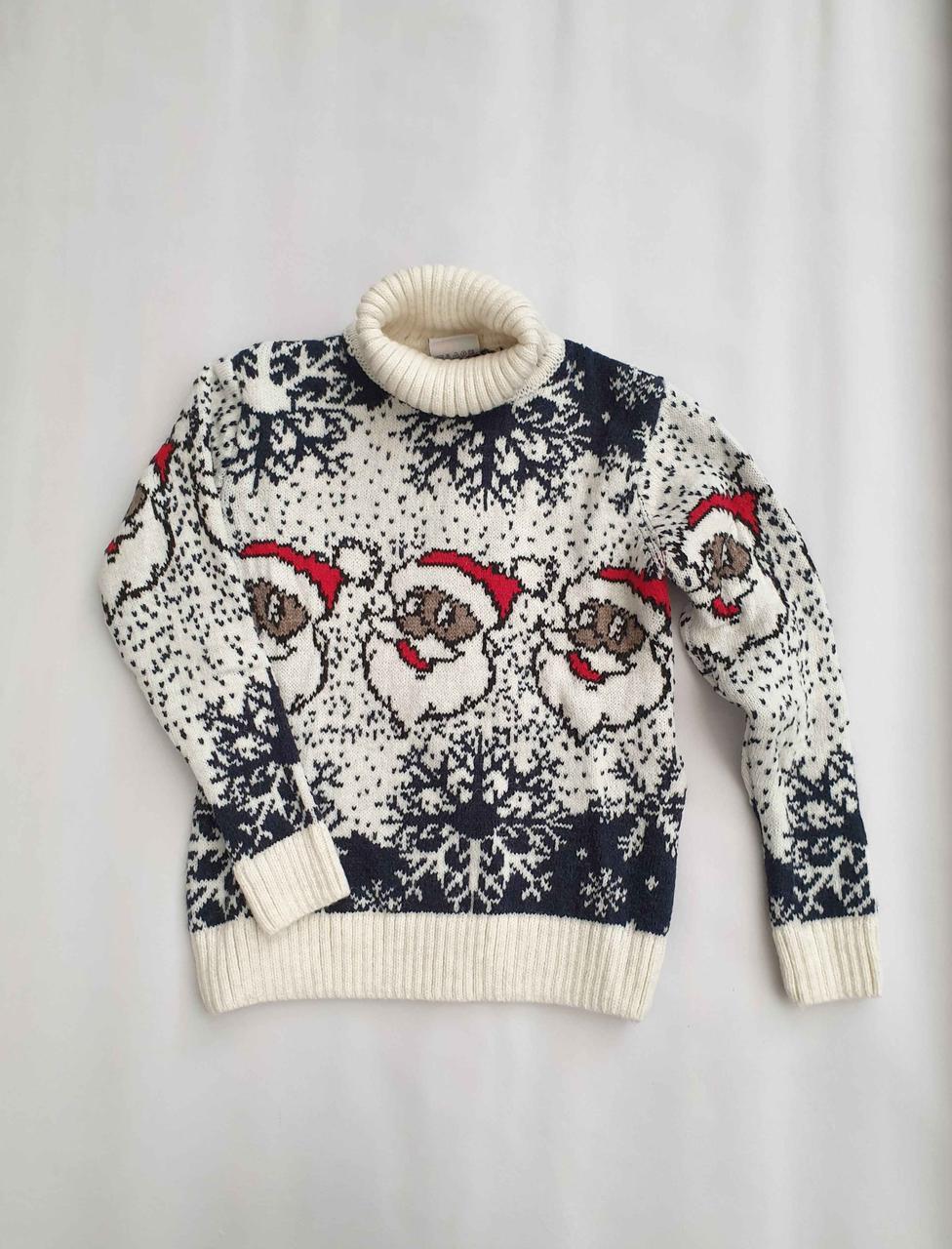 Новогодний белый свитер на мальчиков 2-6 лет Дед мороз