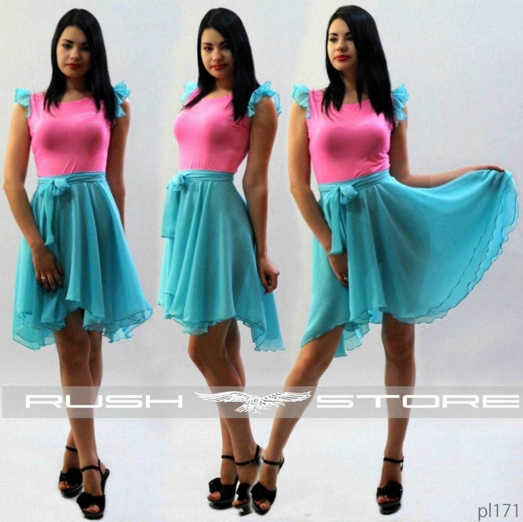 Женское летнее платье с рюшами на руковах