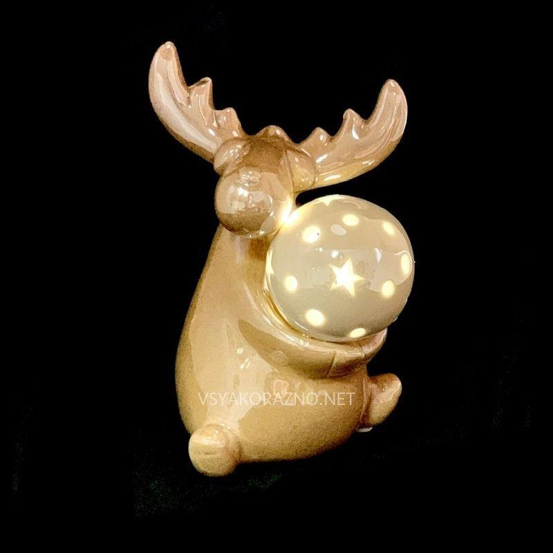 Статуетка олень  с подсветкой Led коричневый