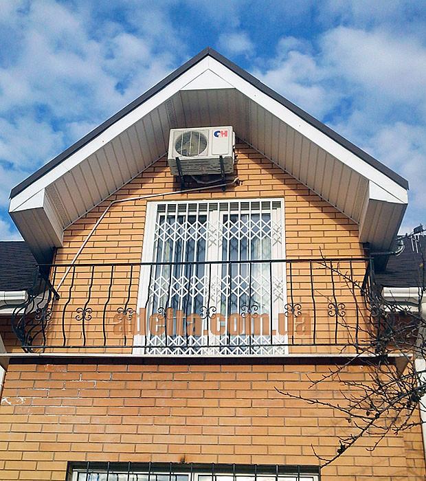 Решетки раздвижные на двери Шир.1450*Выс2100мм для дома