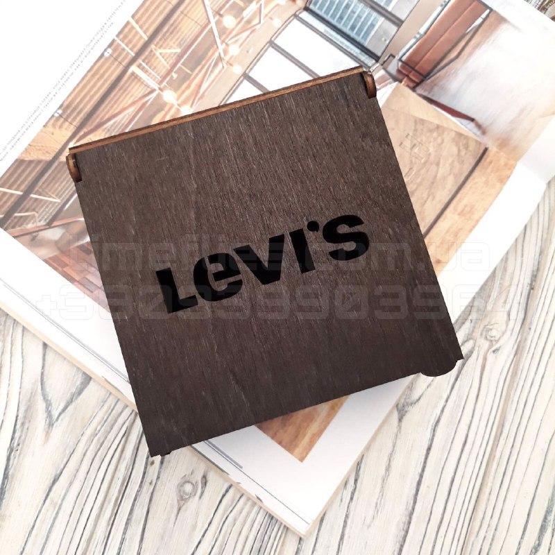 Деревянная коробка для ремня Levi`s