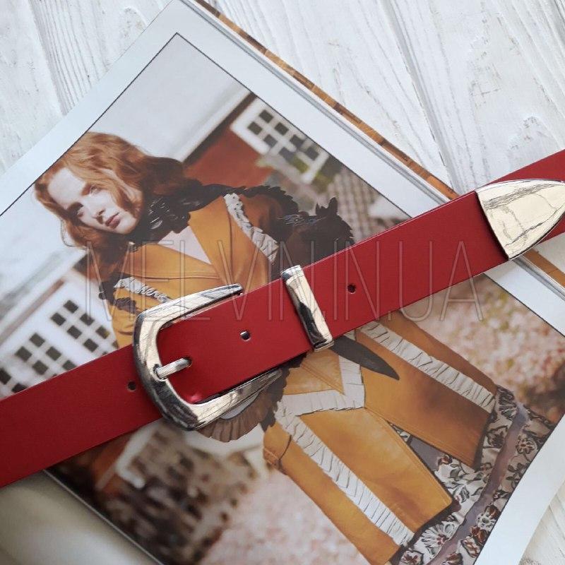 Женский кожаный ремень с металлическим хвостиком Красный