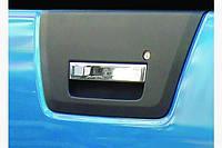 Накладка на ручку багажника (нерж) Carmos - Турецкая сталь - Nissan Navara 2006-2015 гг.