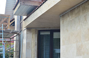 Фасадный декор с имитацией травертина 2