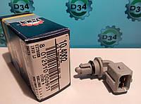 Датчик интеркулера (температуры впуск воздуха) Рено Трафик 06- Facet10.4002