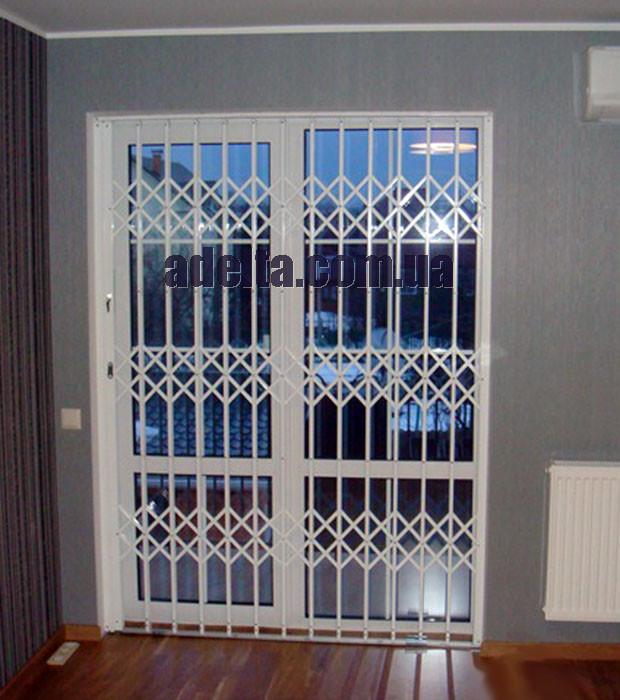 Решетки раздвижные на двери Шир.1600*Выс2200мм для квартиры