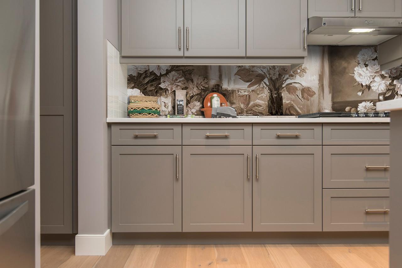 Скинали на кухню Zatarga «Картина пионы ретро кирпичи» 600х3000 мм виниловая 3Д наклейка кухонный фартук