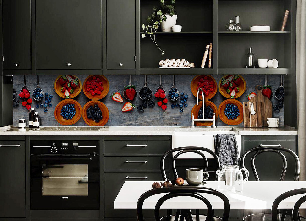 Скинали на кухню Zatarga «Лесные ягоды» 600х3000 мм виниловая 3Д наклейка кухонный фартук самоклеящаяся
