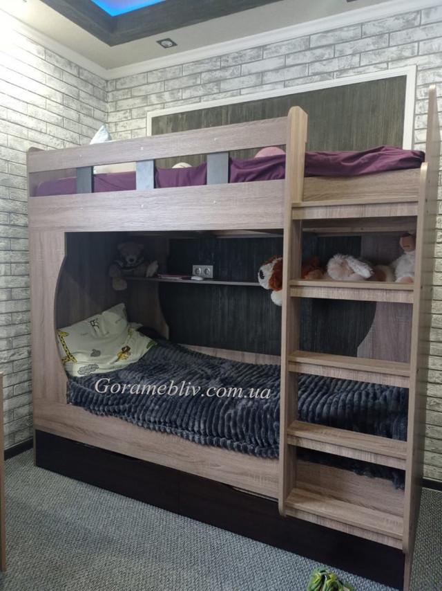 На фото: двухъярусная кровать