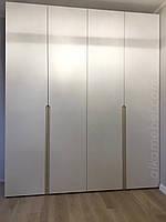 Шкаф белый в современном стиле с фасадами мдф краска