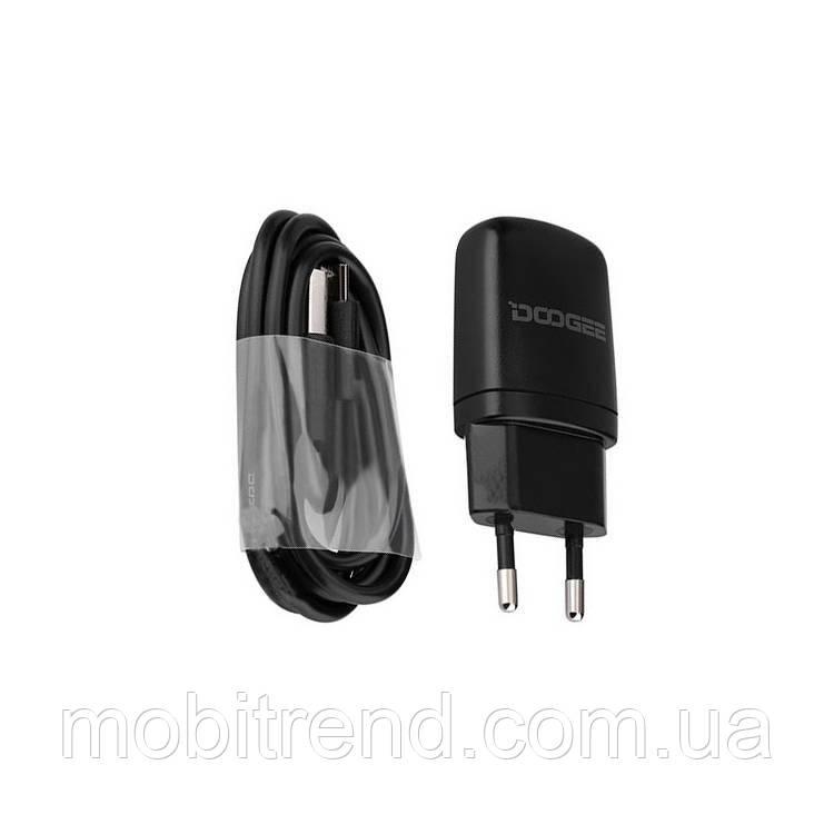 Зарядное устройство Doogee 2in1+ кабель 2.0A Черный