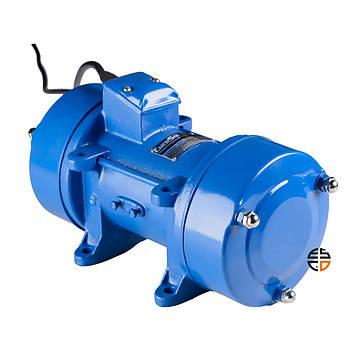 Вибратор площадочный EnerSol EEV-1100W, мощность 1,1 кВт, сила 4,9 кН