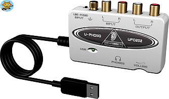 Аудиоинтерфейс Behringer UFO202 USB 2х2