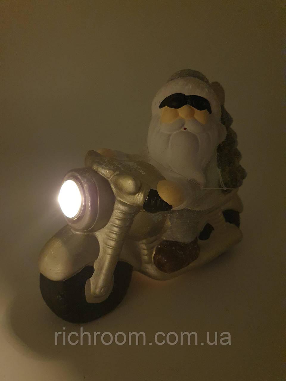 Декоративная новогодняя статуэтка Санта Клаус на мотоцикле с LED подсветкой ZD Trading