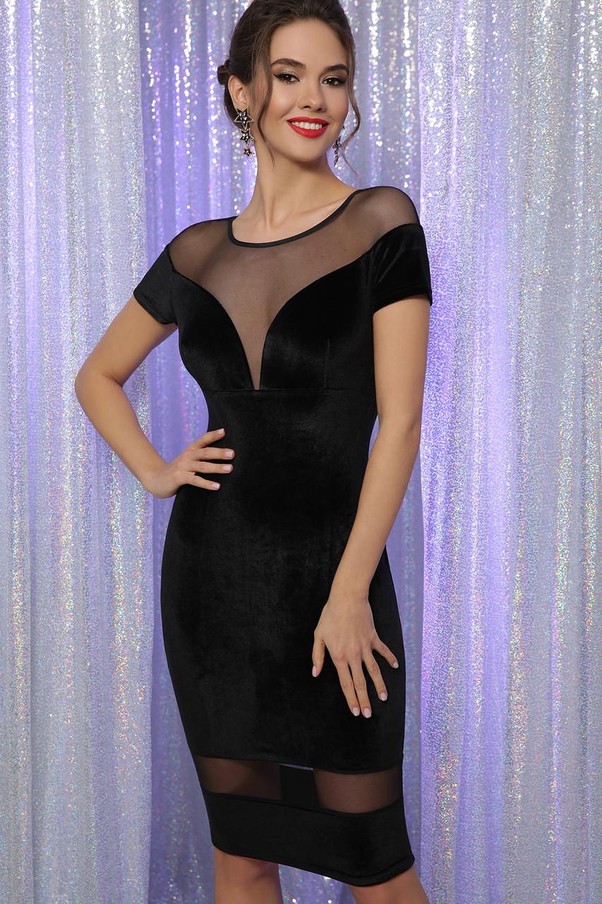 Облегающее черное велюровое платье