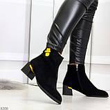 Эффектные замшевые ботинки ботильоны на удобном каблуке с декором, фото 4