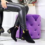 Эффектные замшевые ботинки ботильоны на удобном каблуке с декором, фото 9