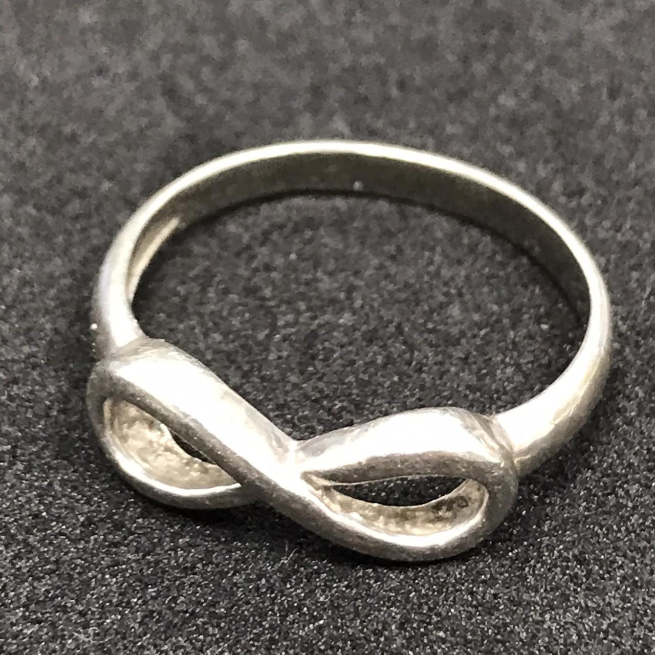 Серебряное кольцо 925 пробы, размер 16.5. Вес - 1.47 г. Б/у. Продажа из ломбарда