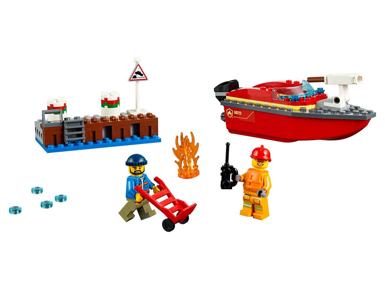 Конструктор LEGO Пожар на причале 97 деталей (60213)