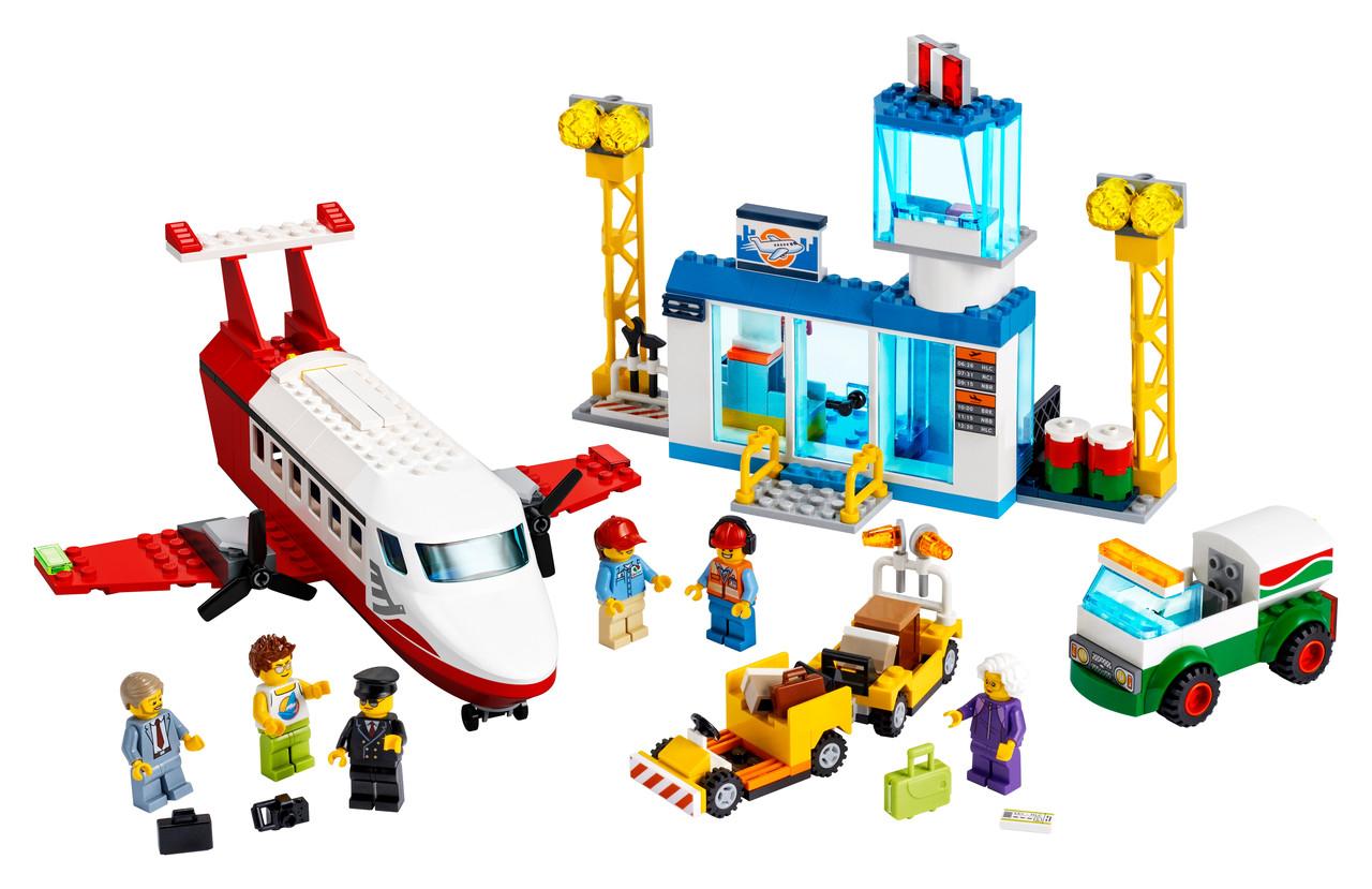 Конструктор LEGO Главный аэропорт 286 деталей (60261)