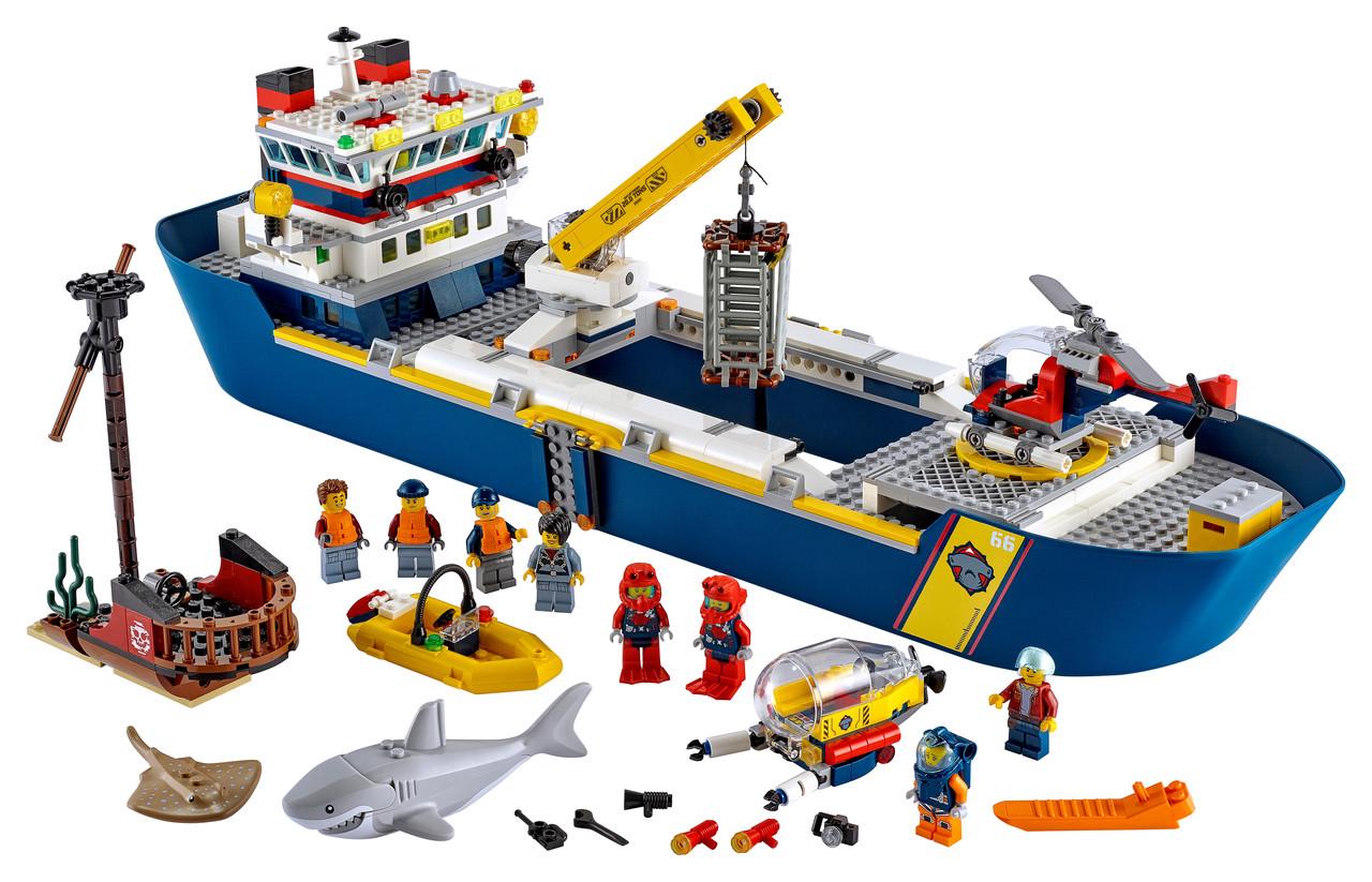 Конструктор LEGO Океан: научно-исследовательский корабль 745 деталей (60266)
