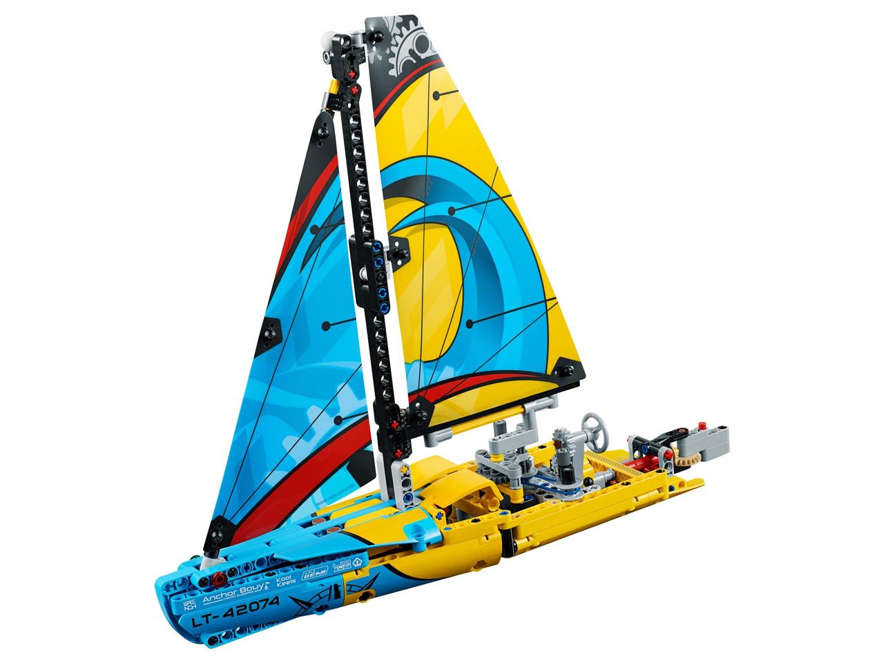 Конструктор LEGO Гоночна яхта 330 деталей (42074)