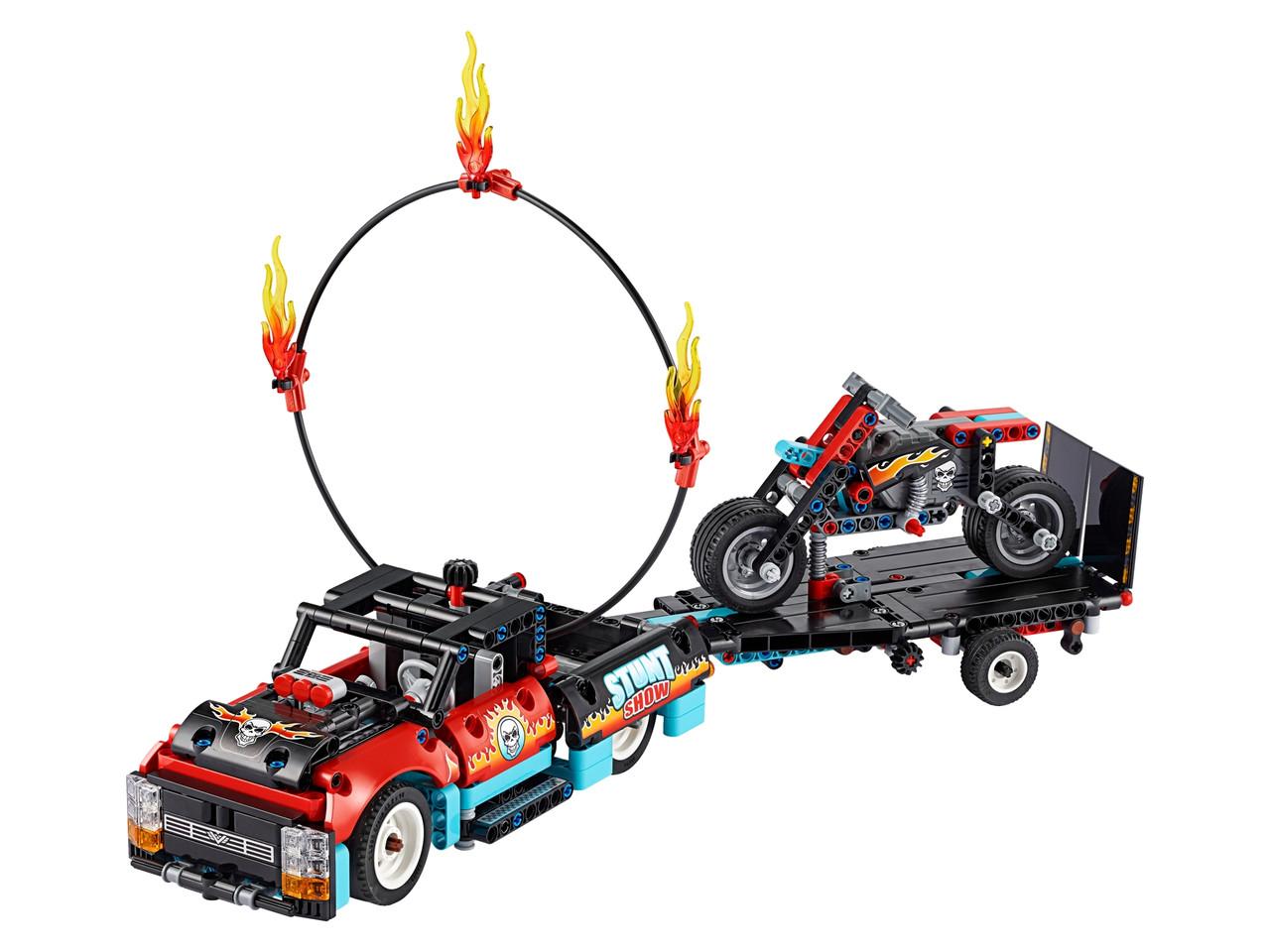 Конструктор LEGO Шоу трюков на грузовиках и мотоциклах 610 деталей (42106)