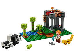Конструктор LEGO Ферма панд 204 деталей (21158)