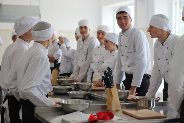 проект модернізації лабораторії кухарів з дегустаційним залом 27
