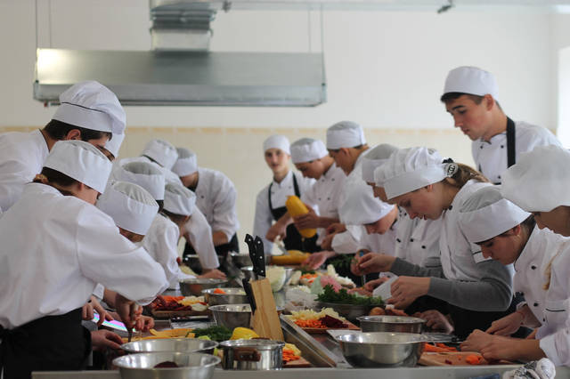 проект модернізації лабораторії кухарів з дегустаційним залом 30