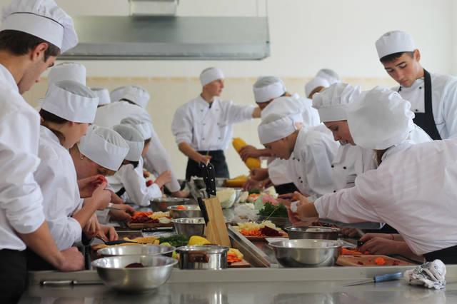 проект модернізації лабораторії кухарів з дегустаційним залом 32