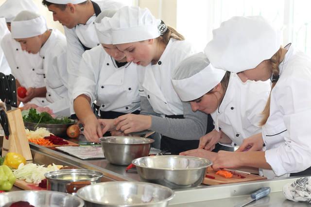 проект модернізації лабораторії кухарів з дегустаційним залом 35