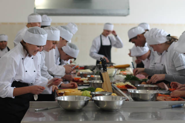 проект модернізації лабораторії кухарів з дегустаційним залом 38