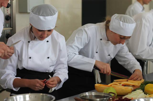 проект модернізації лабораторії кухарів з дегустаційним залом 42