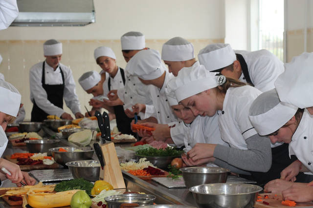 проект модернізації лабораторії кухарів з дегустаційним залом 43