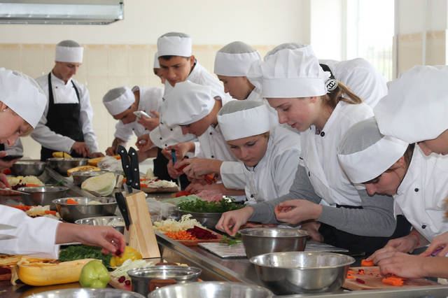 проект модернізації лабораторії кухарів з дегустаційним залом 44