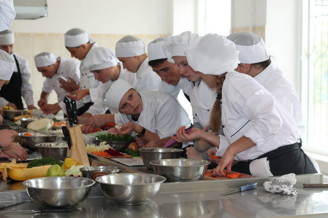проект модернізації лабораторії кухарів з дегустаційним залом 45