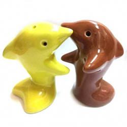Солонка с перечницей Дельфины Желто-коричневые 7х7х4 см 27899A, КОД: 1367072