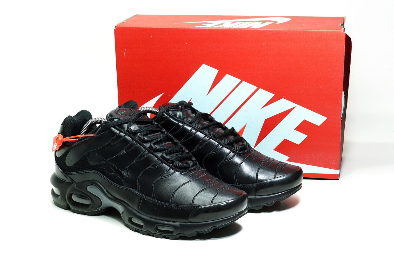 Кроссовки мужские черные Nike TN Plus