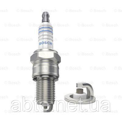 Свеча зажигания Bosch 0 242 240 849 (WR6DCE 0.8)