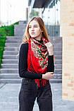 Косынка с народным орнаментом на флисе LEONORA красная 140*110*110  с бахромой, фото 3