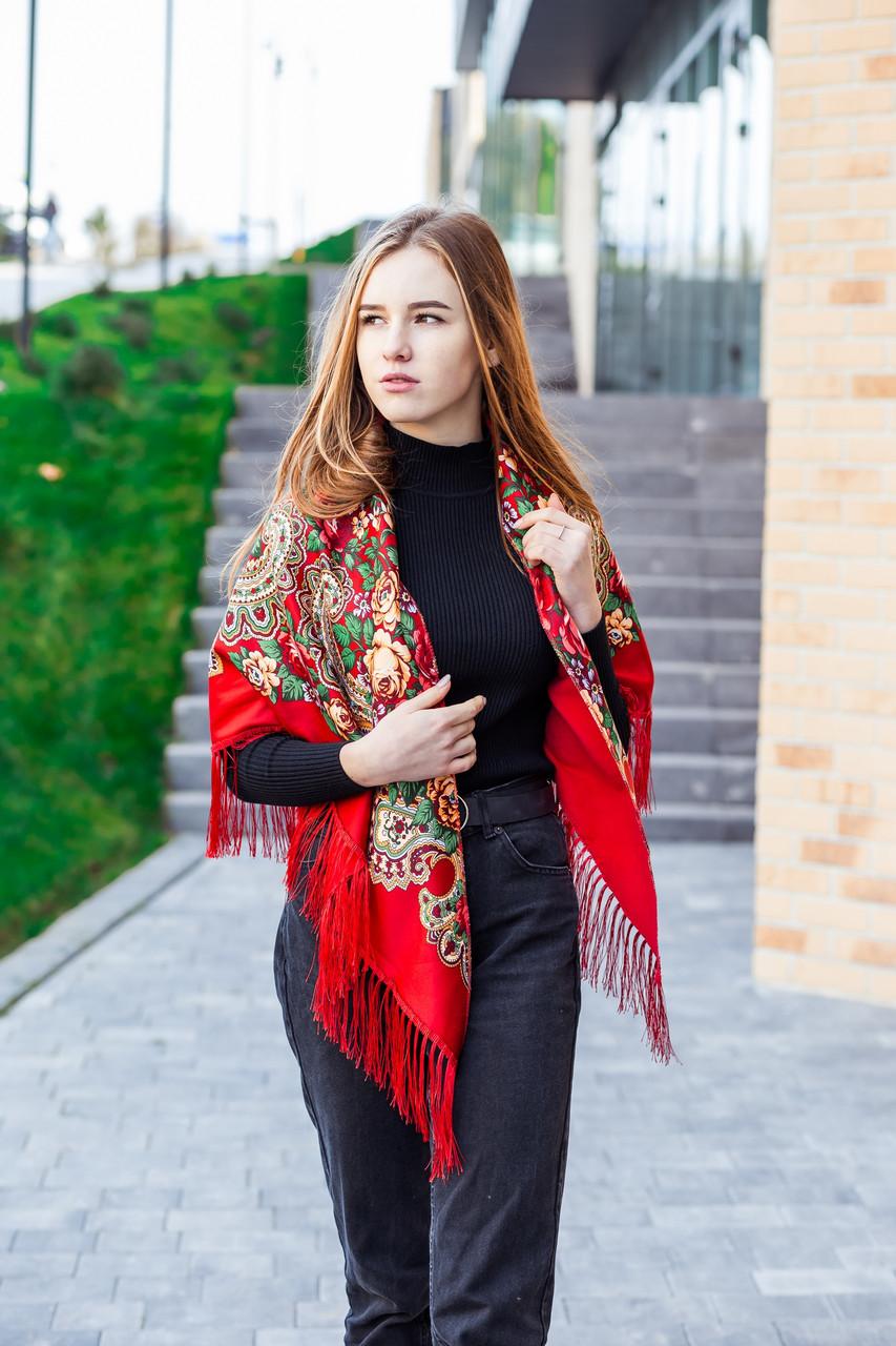 Косынка с народным орнаментом на флисе LEONORA красная 140*110*110  с бахромой