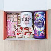 Подарочный бокс для мамы: чашка керамическая с надписью, чай Lovare, шоколад, конфеты Raffaellо
